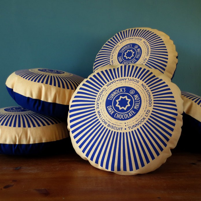 Tunnock's Dark Chocolate Teacake Cushions – New!