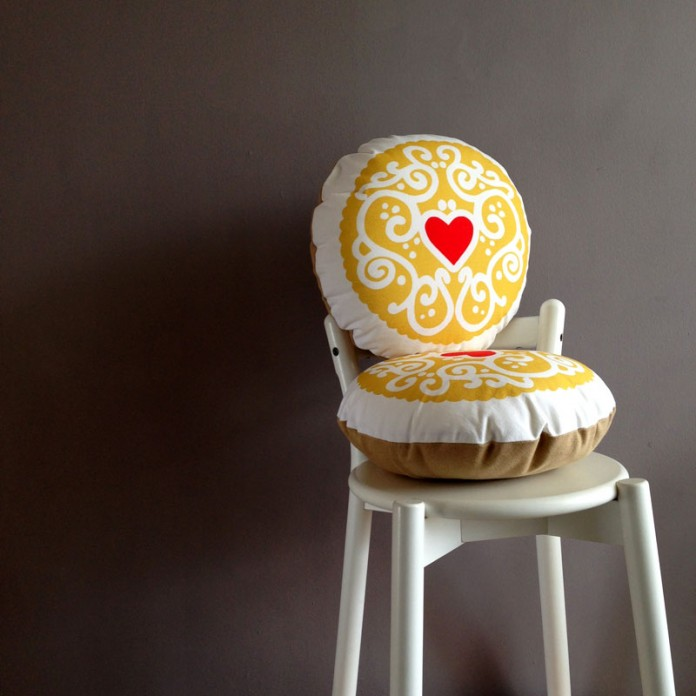 Nikki McWilliams - 2014 Jammy Heart Cushion