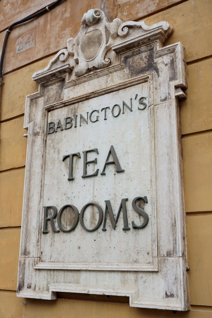 Biscuit-Cruise-Rome-Babingtons_sign